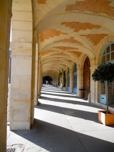 A view of the arcade walkway at Place des Vosges